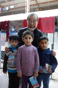 アンカワ地区の難民キャンプで暮らす姉弟