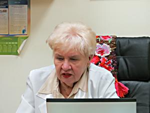 ステパーノバ医師