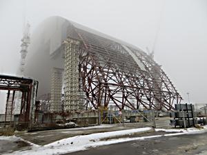 チェルノブイリ原発4号炉を覆うためのドーム