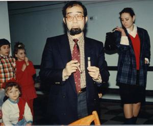 第一次訪問団 現地の子どもと鎌田理事長